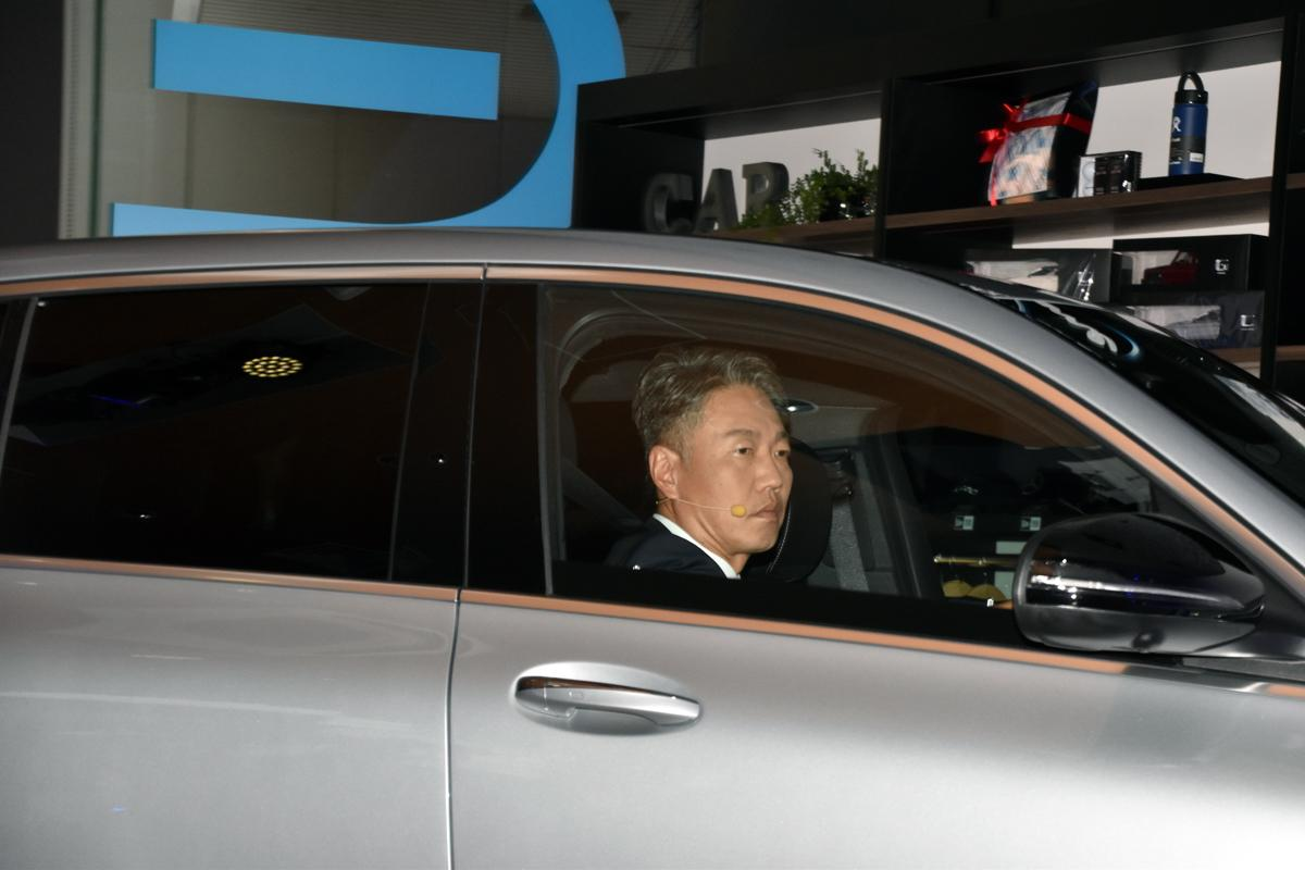 メルセデス・ベンツEQCが日本上陸! SUVの走破性と圧倒的な実用性の電気自動車