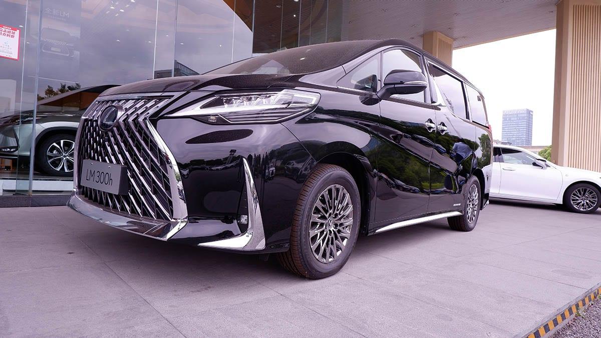 【LEXUS LM】新古車価格が3000万円超え!? 中国でレクサスLMってどうなってんの!?【2020年6月現在】