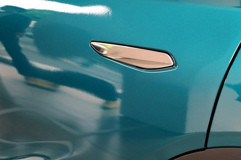 DS3 クロスバックは都会以外に似合うシチュエーションが思いつかない超都会っ子SUV