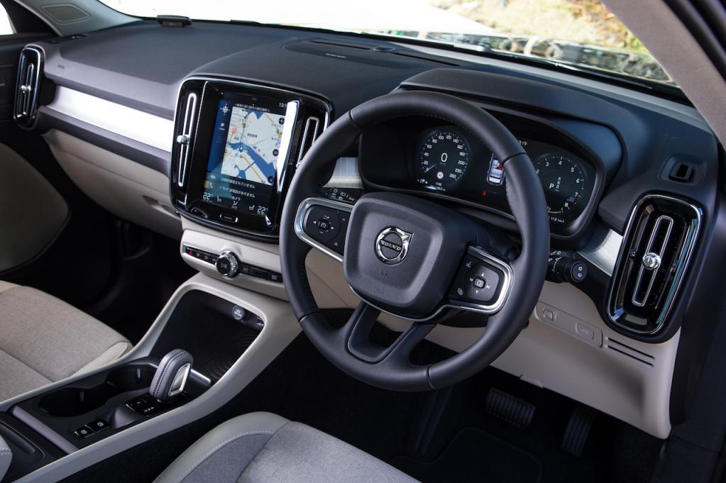 ボルボXC40 T4 AWDモメンタムの爽快な走りに脱帽!