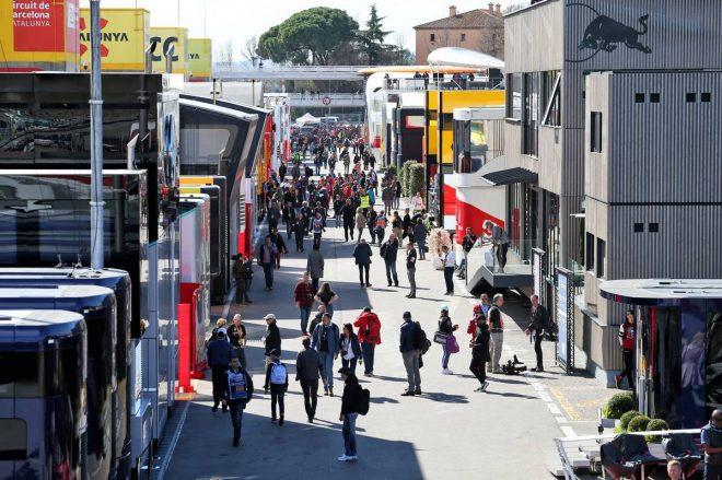 F1、新型コロナ対策でモーターホームの代わりにテントを使用。燃料やタイヤの受け取り方法も変化
