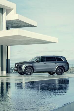 大型SUVの真打ちとなるか? 新型メルセデス・ベンツ「GLS」がデッカく登場