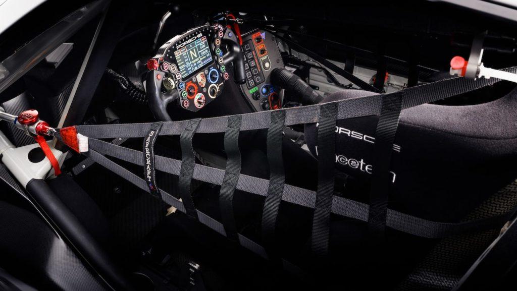 ポルシェが新型911 RSRを、WEC投入に先駆けグッドウッドで初公開!