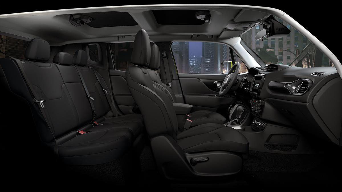 内外装をブラックで統一! ジープ・レネゲードの特別仕様車「ナイトイーグル」が410台限定発売