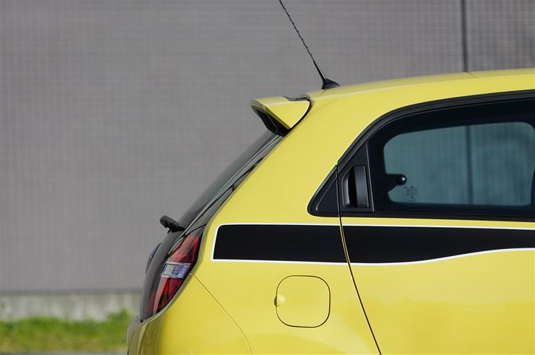 トゥインゴに171万円の入門グレードが登場。5速MTの走りを試した