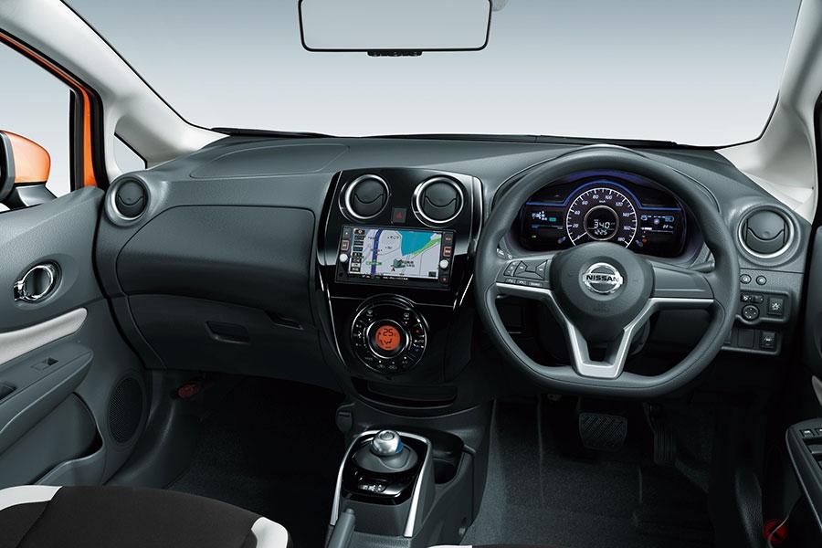 日産初、登録車で「ノート」が年間販売首位! e-POWERが大きく牽引 トヨタHVの「アクア」「プリウス」を抑えた