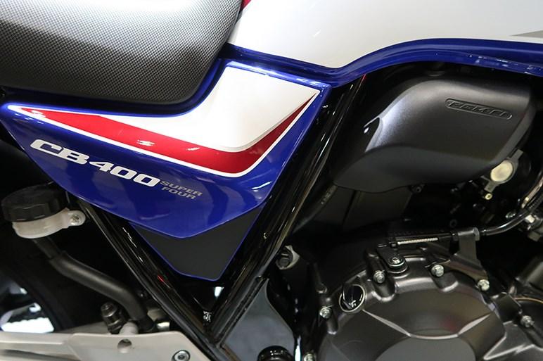 ホンダCB400 SUPER FOUR 近年中型以上カテゴリで最も売れたCB【東京モーターサイクルショー2019】
