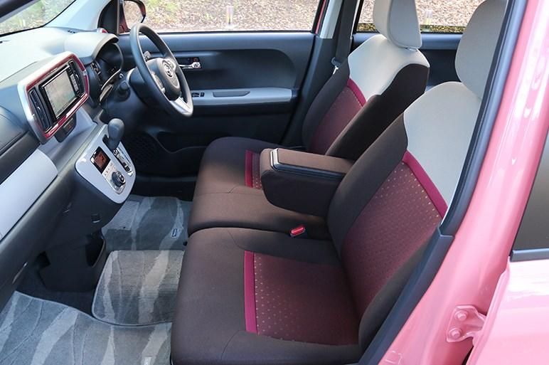 ぬいぐるみ系デザインの完成形ダイハツ ブーンは国民車としてどうか?