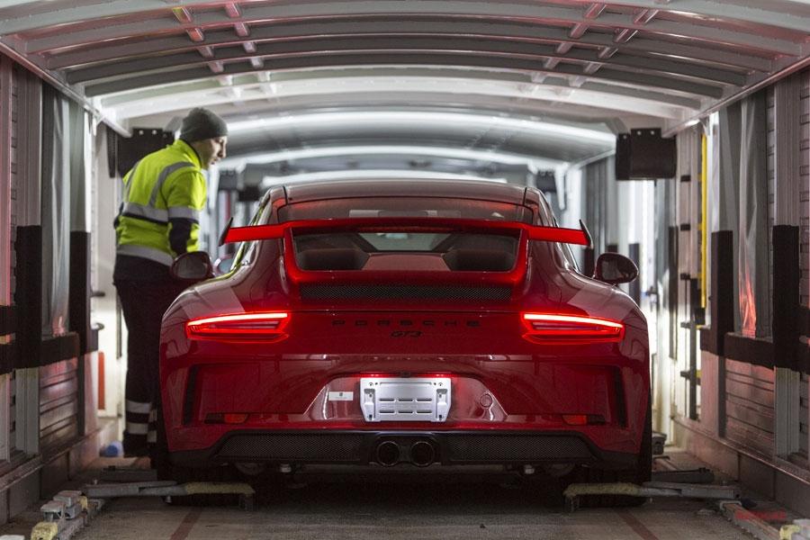 ポルシェ 1/1~ 完成車の出荷方法、大幅見直し 6000tのCO2削減