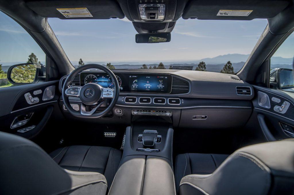 新型「メルセデス・ベンツGLSクラス」発表。最高級7人乗りSUVが3代目に進化