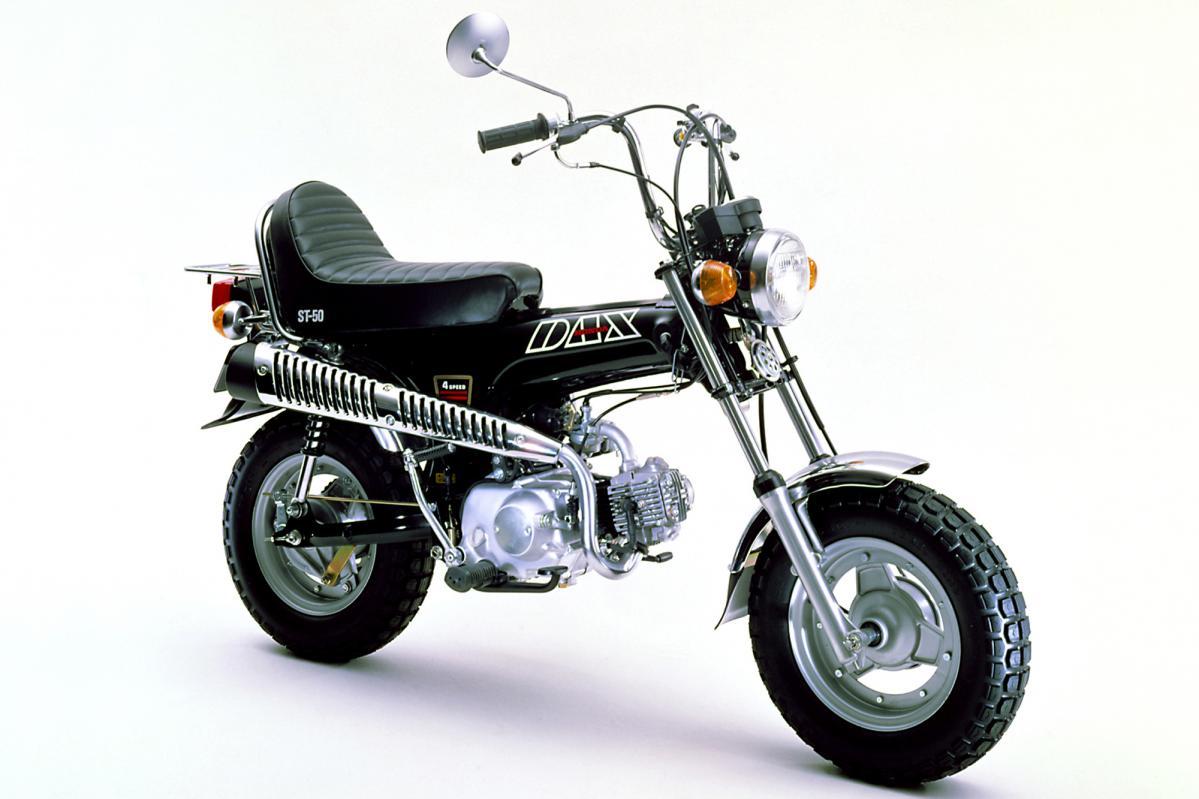人気の愛玩犬をイメージした、ホンダ横型4ストエンジン搭載バイクって?