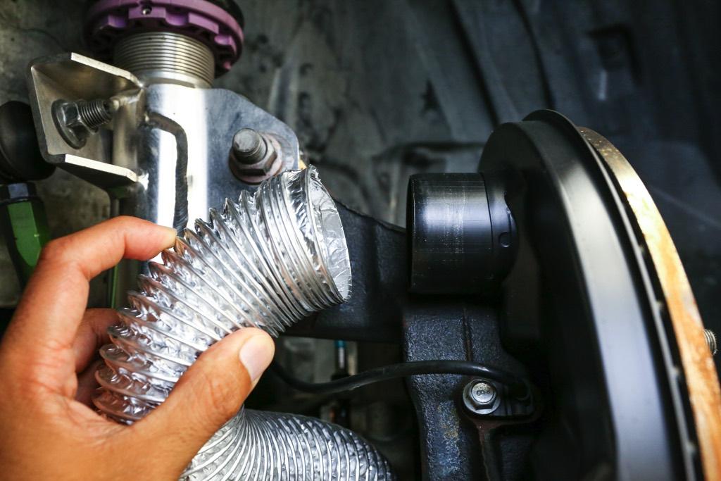 「86&BRZオーナー必見のブレーキ冷却パーツ!」テストでは最大70度のブレーキ温度降下を確認!