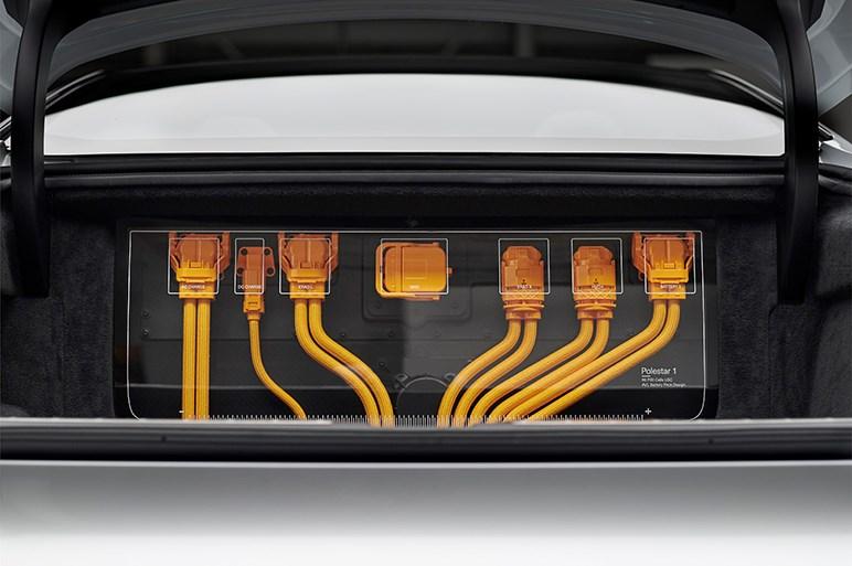 ポールスター、600hpの新型高性能クーペを発表 ボルボの技術を活用