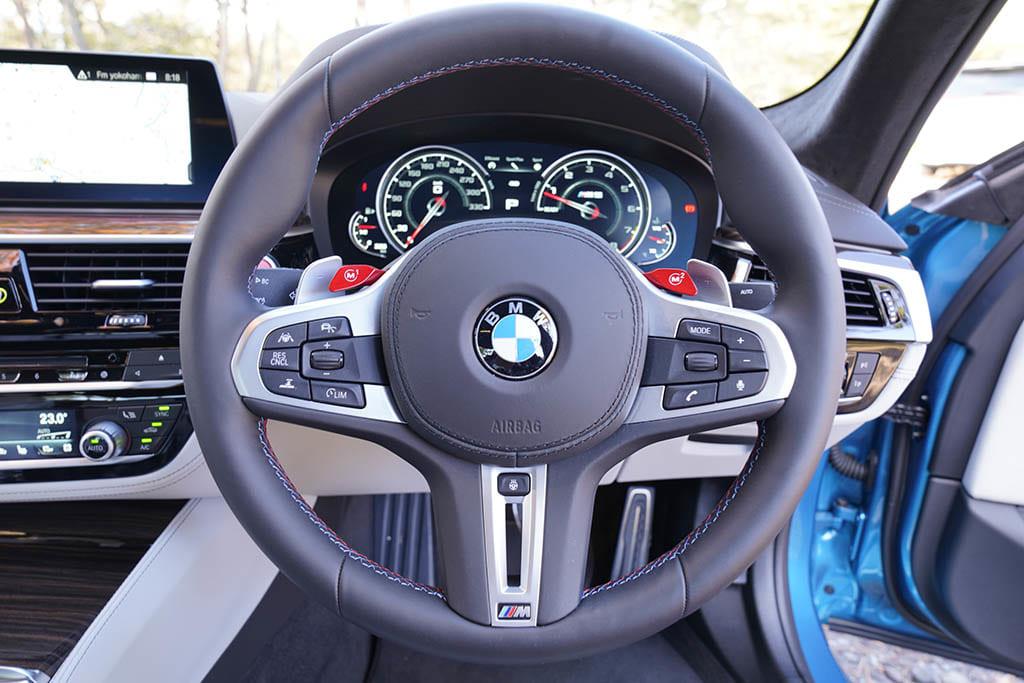 【比較試乗】「BMW M5コンペティション vs メルセデスAMG GT 4ドアクーペ」掟破りのハイパフォーマンス!