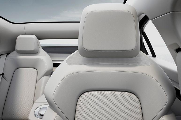 ソニーが電気自動車を発表。驚くような完成度のワケや同社の狙いとは?
