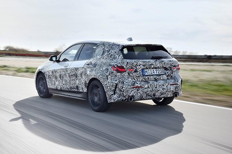 新型BMW 1シリーズはFFの定義を変えるほどのダイナミック性能でライバルに挑む