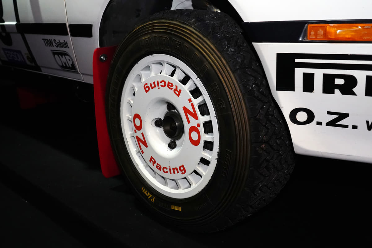 トヨタ「GRヤリス」のルーツはセリカ? ノーマルとWRCカーを同時展示【東京オートサロン2020】
