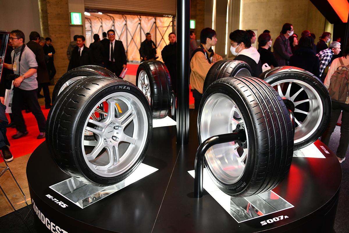 ブリヂストンはストリートラジアル最速を追求したポテンザの新作「RE-71RS」を初披露!【東京オートサロン2020】