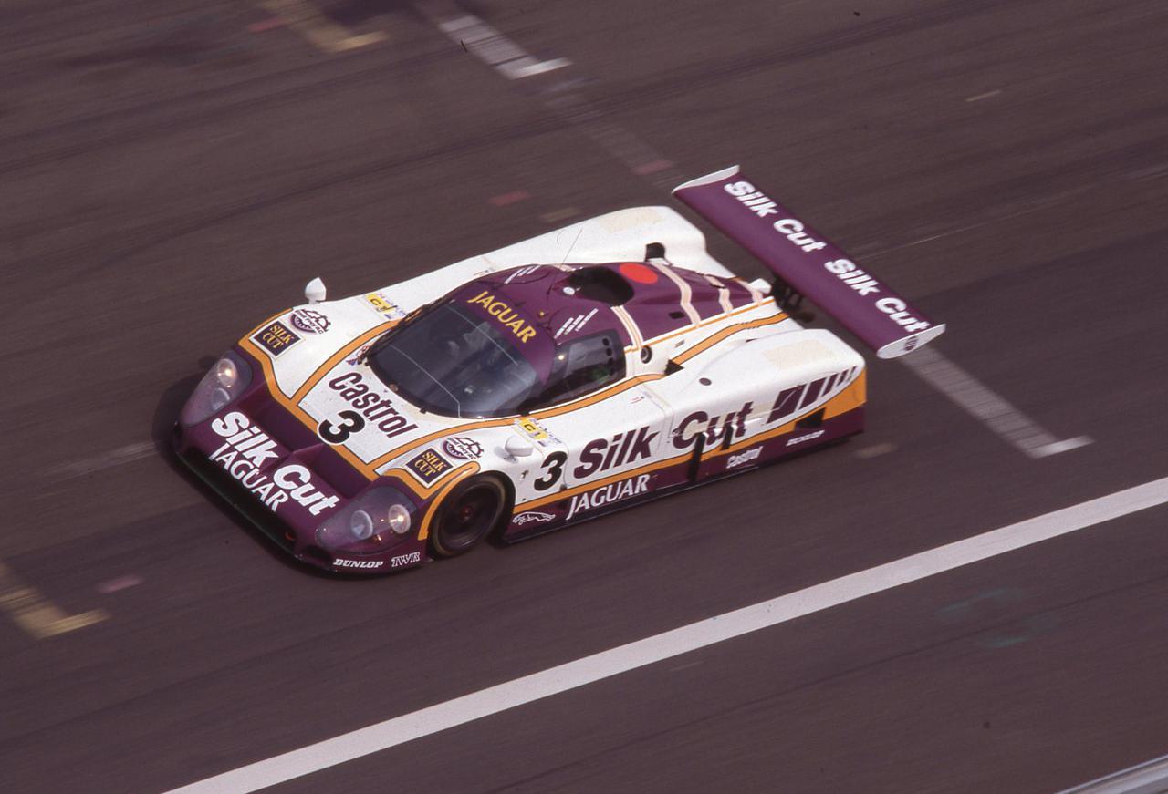 グループCの時代】ジャガーXJR9 LMがついにポルシェの連勝を阻止、新 ...
