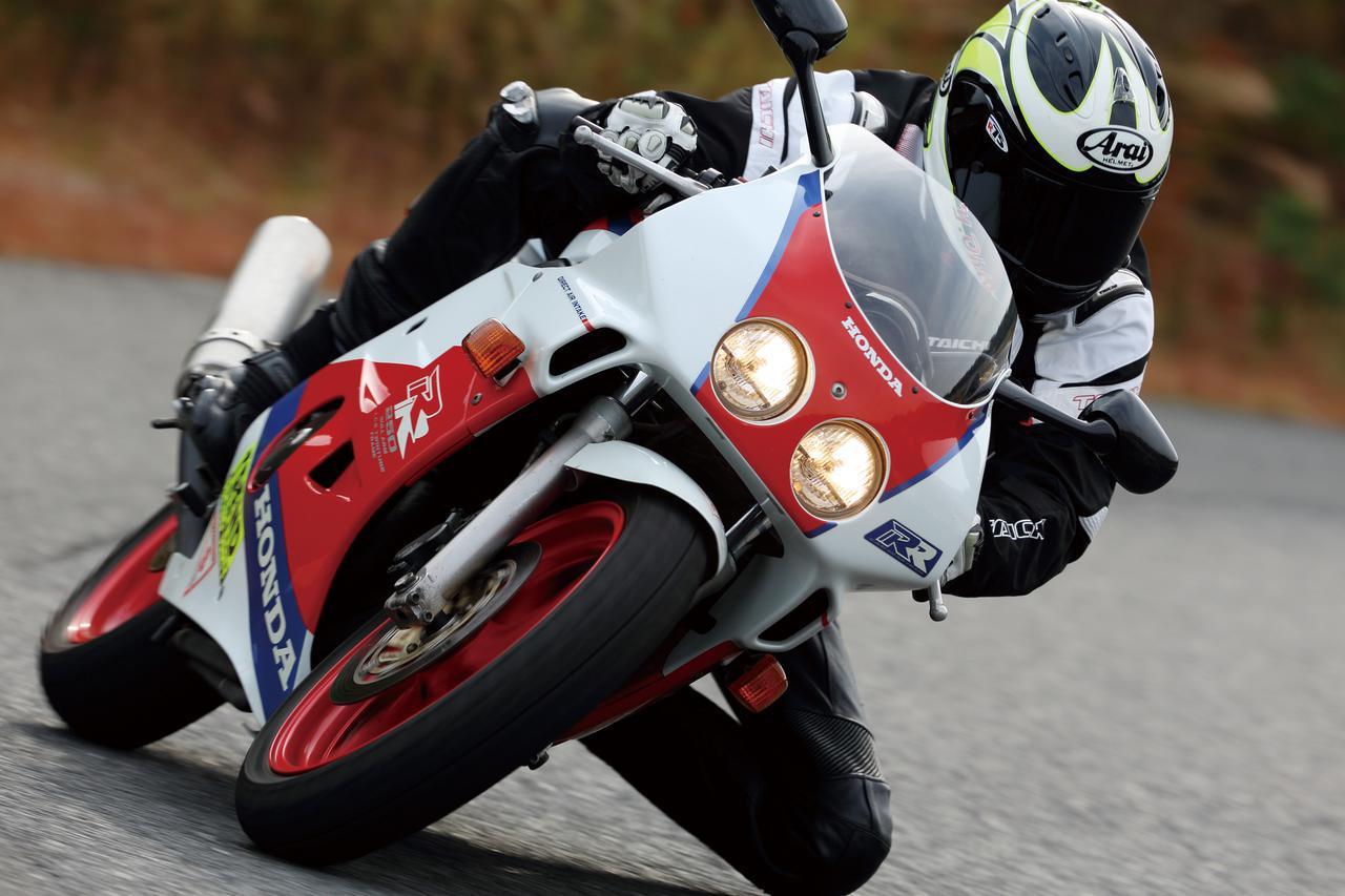 ホンダ「CBR250RR」/250cc・4気筒バイクを振り返る!【絶版名車解説】