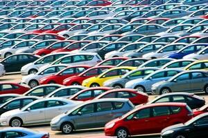 2017年度の登録車販売、非ハイブリッドでもっとも売れたクルマはなんだ?