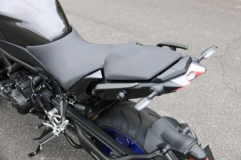 ヤマハのナイケンは転ばないバイクじゃないけど、転びそうにないバイクだった