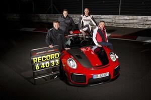 ポルシェ911 GT2 RS MRがナンバー付き車両によるニュルブルクリンクの新レコードを樹立。「MR」ってどんな意味?