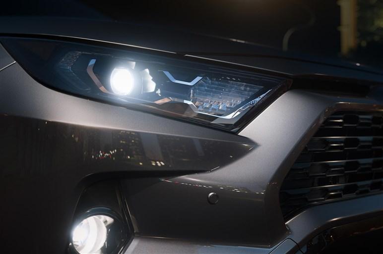 トヨタ、新型RAV4を公開。2019年春に日本で発売