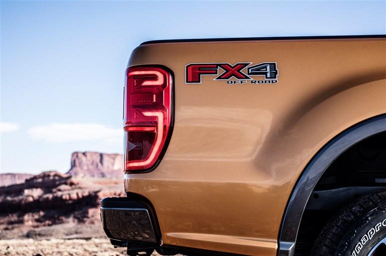 フォード、デトロイトで人気のピックアップとSUVの新型を2台同時に発表