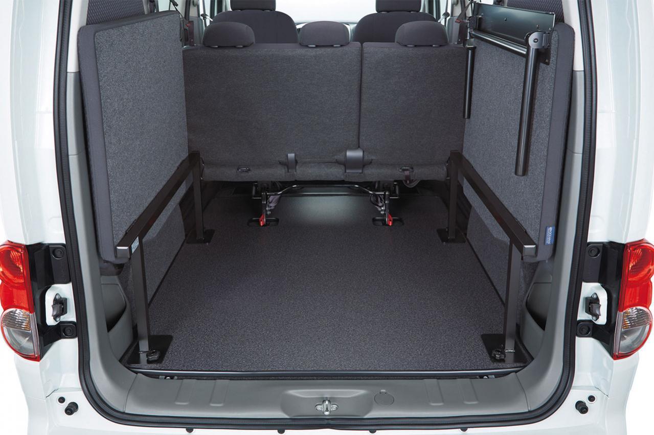 日産「セレナ」に車中泊に便利な「マルチベッド」を設定! 同時にNV200バネットの「マルチベットワゴン」も一部改良