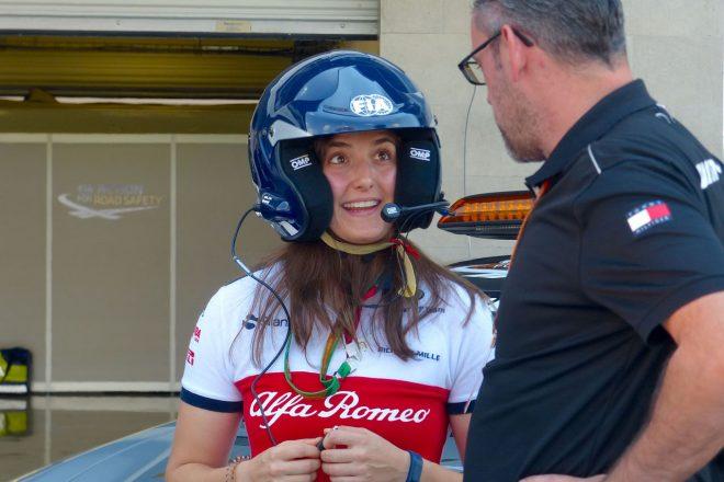 【あなたは何しに?】ザウバーF1の女性テストドライバーがセーフティカーに同乗した理由