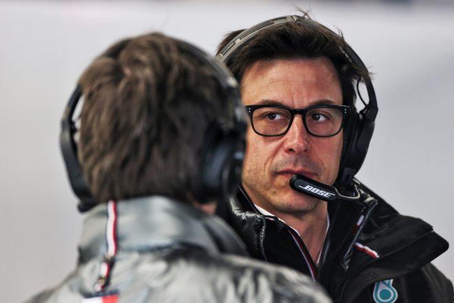 メルセデスF1代表ウォルフが重要会議を欠席、去就に関する噂が再燃