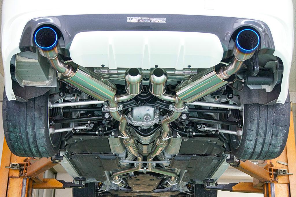 「スカイライン400RチューンにHKS参戦!」中高速域で確実に『効く』スーパーターボマフラーを発売開始!