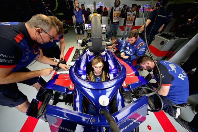ガスリー「トップ10が見えてきている。セットアップを煮詰めれば予選でいい戦いができるはず」:トロロッソ・ホンダ F1ブラジルGP金曜