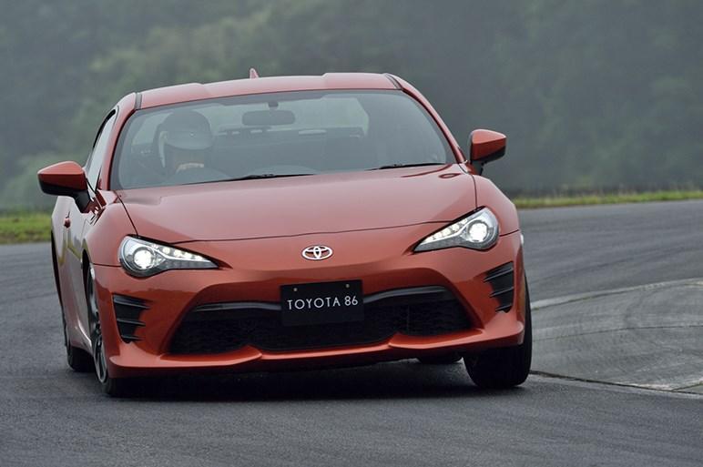 トヨタ86大幅改良を速攻試乗。BRZを上回る質感向上だが課題もある