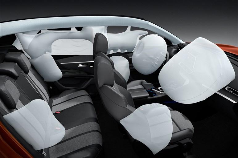 プジョー新型3008に海外試乗。個性派SUVのプレミアム化が進んだ