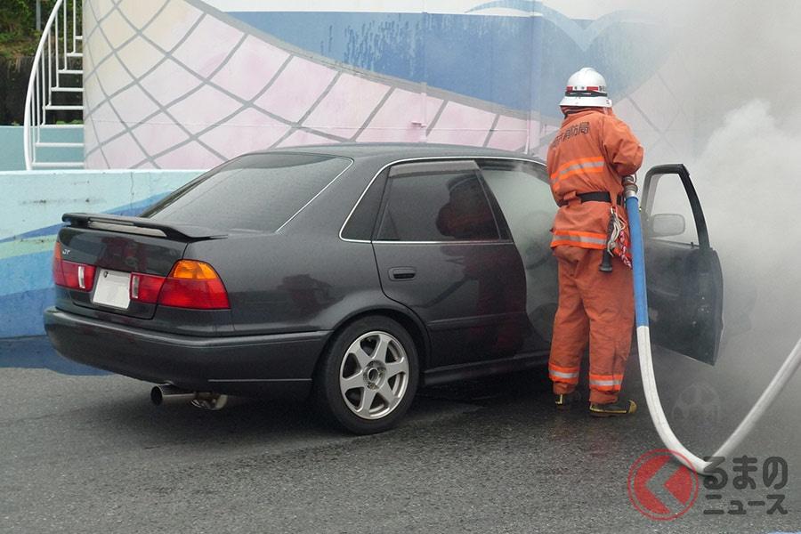 クルマが突然発火!? 乾燥時期は注意が必要な車両火災の原因とは
