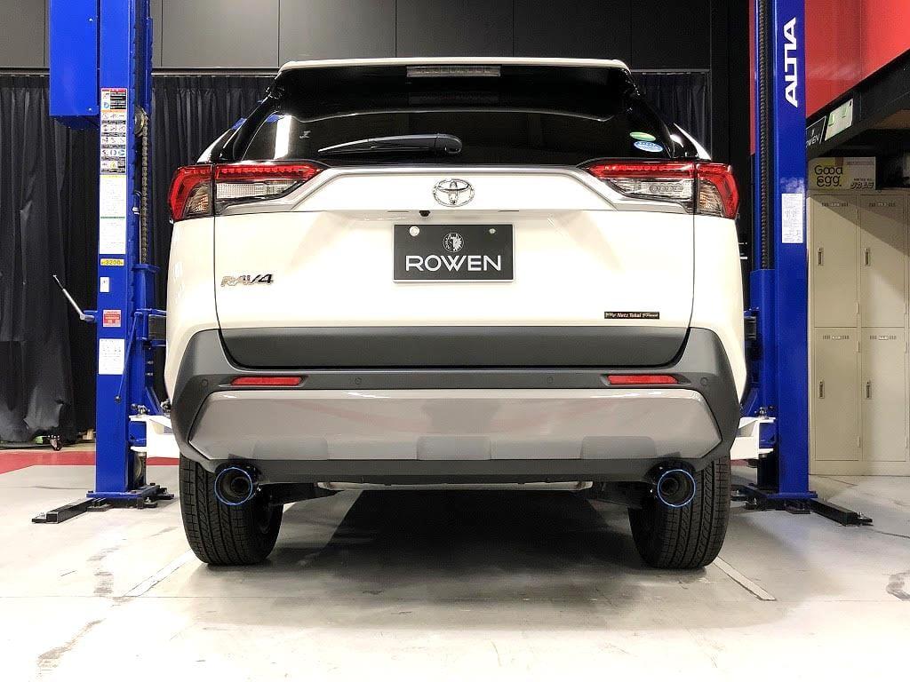 チタンとステンレスが選べます! 新型RAV4のリアビューをサクッとカスタム|トムス