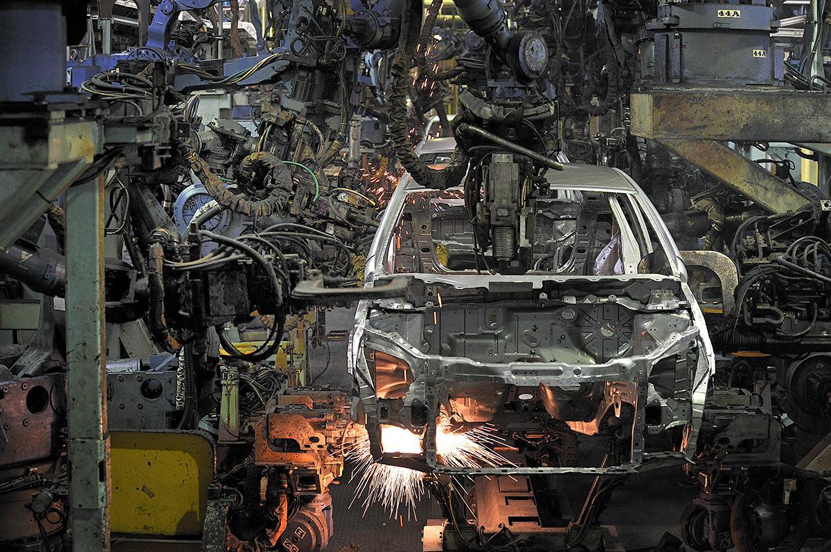 国産メーカーのクルマなのに「輸入車」! 国内にも多くの工場があるのにあえて海外生産する理由とは
