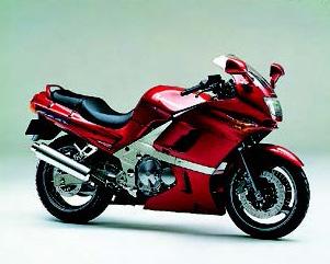 """水冷「CB400SF」空冷「ゼファーχ」などの""""ヨンヒャクネイキッド""""が人気に!【日本バイク100年史 Vol.063】(1996年)<Webアルバム>"""