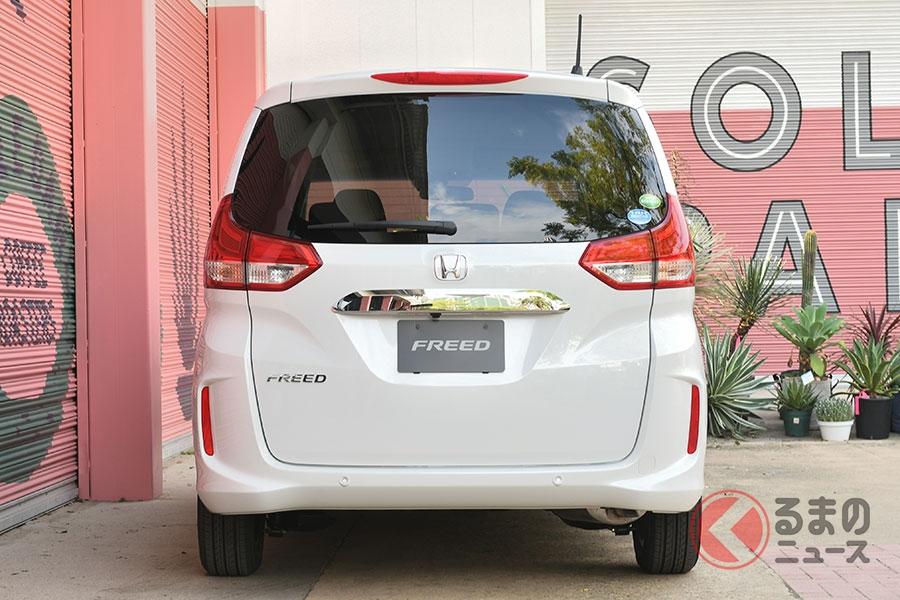 ホンダの新顔「フリード」高評価? SUV風も追加で発売1か月の販売状況はどうだったのか