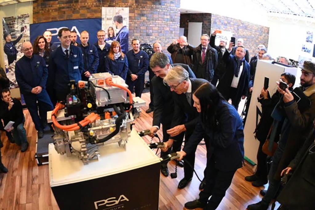 PSAが電動車両の組み立てラインを新設