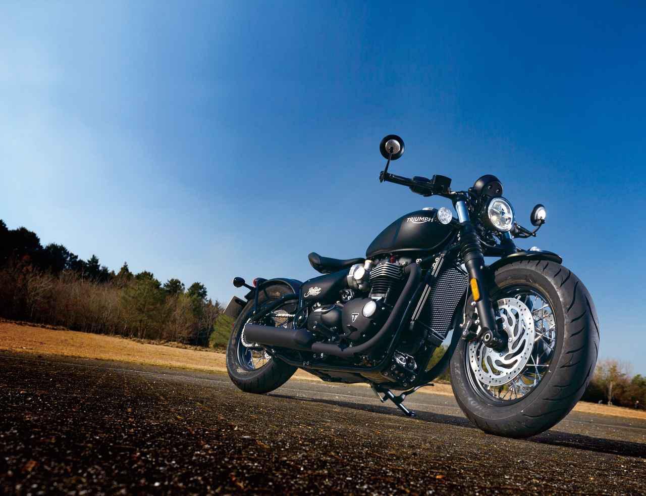 G-SHOCKの「ブラックアウト」モデルが、マスターオブGシリーズから2機種新登場! 革ジャンや黒いバイクとの相性抜群