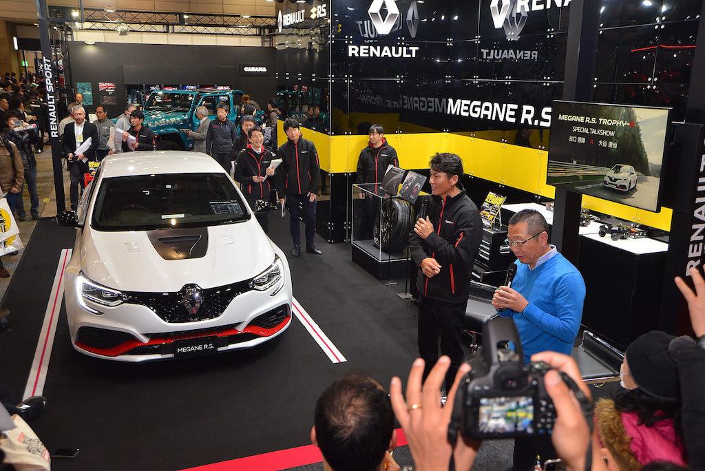 ニュル最速の量産FFモデル「メガーヌ R.S.トロフィー R」登場【東京オートサロン 2020】