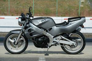 スズキ「COBRA」/250cc・4気筒バイクを振り返る!【絶版名車解説】