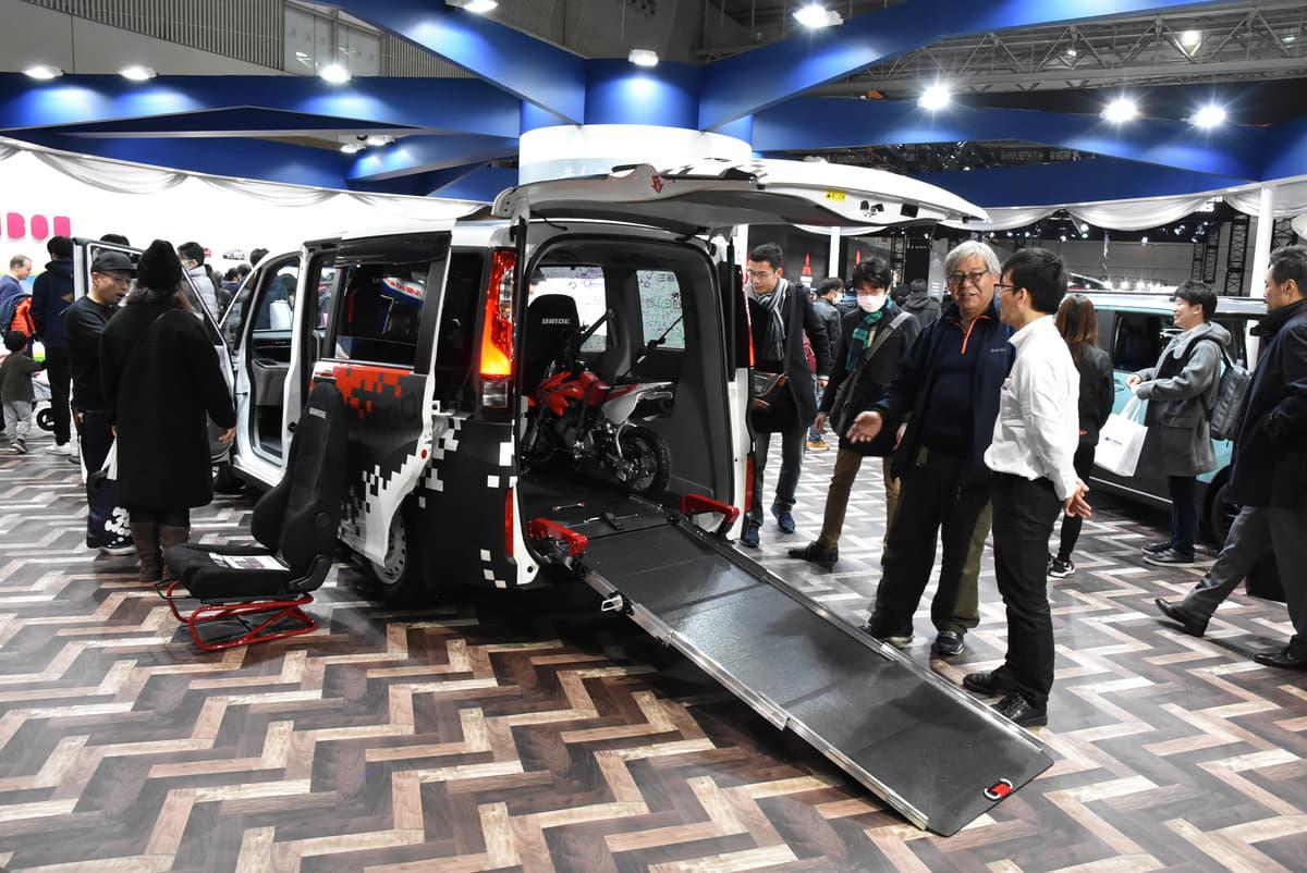 ホンダアクセス、新しいミニバンの使い方を提案! スロープ式車両の可能性を広げる