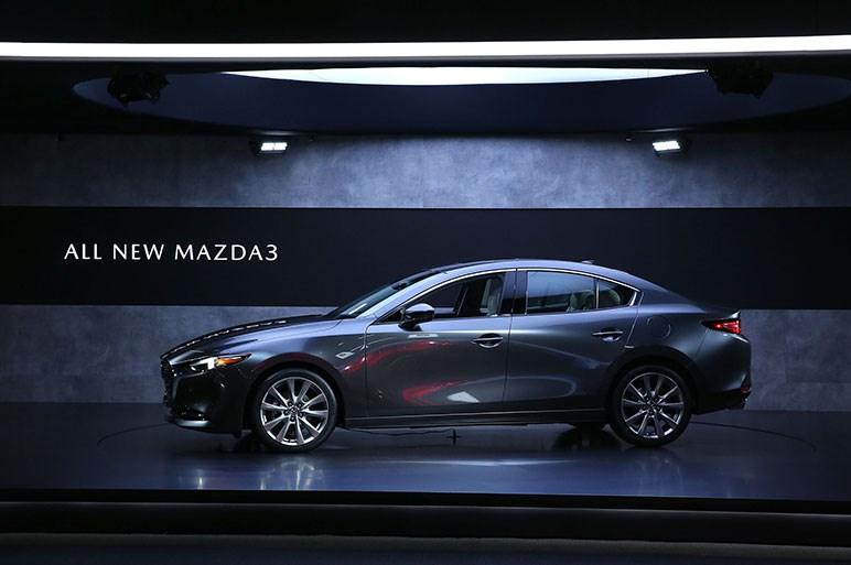 新型Mazda3が日本に上陸 1月11日から開催される東京オートサロンにて公開へ
