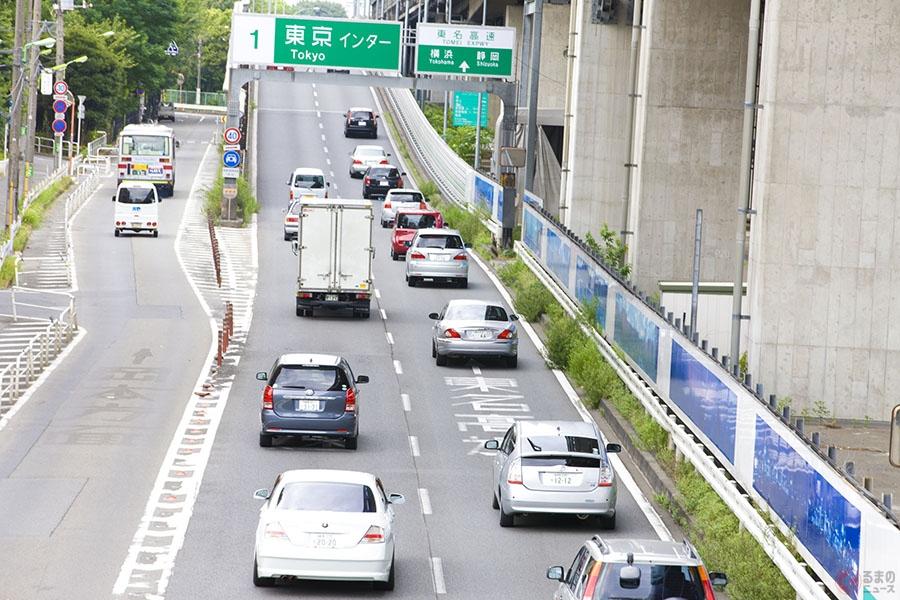 違反だと知らない? 追越車線を走行し続ける車… 高速道路でやりがちな交通違反5選
