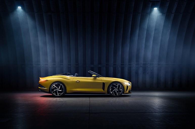 2億円超え12台限定のオープンカー、ベントレー・マリナー バカラルに超富裕層向けカーの新世界が見える