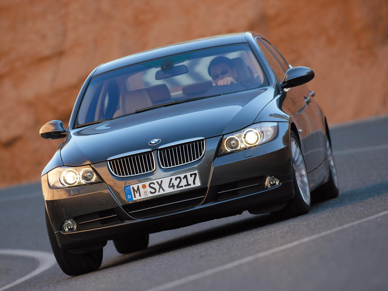 【ヒットの法則16】E90型BMW 3シリーズは歴代の「3」が備える本質的価値を引き継いでいた